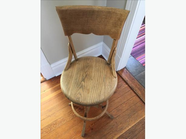 Oak Vintage drafting stool Victoria City Victoria : 54156144614 from www.usedvictoria.com size 614 x 461 jpeg 29kB