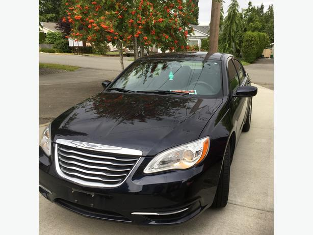 Immaculate   2012 Chrysler 200 LX  for sale