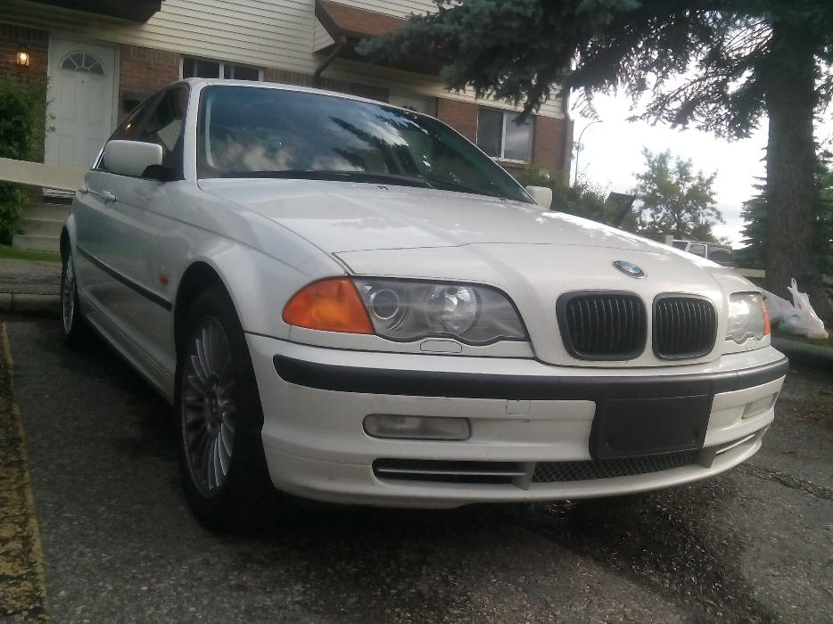 2002 Bmw 330 Xi Allweel Drive Amzing Deal 2500 Call 587 703 9404 North East Calgary Mobile