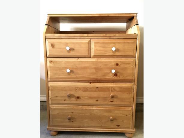 ikea folding baby change table dresser combo west shore langford colwood metchosin highlands. Black Bedroom Furniture Sets. Home Design Ideas