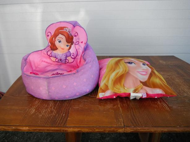 Disney Princess soft chair & pillow set