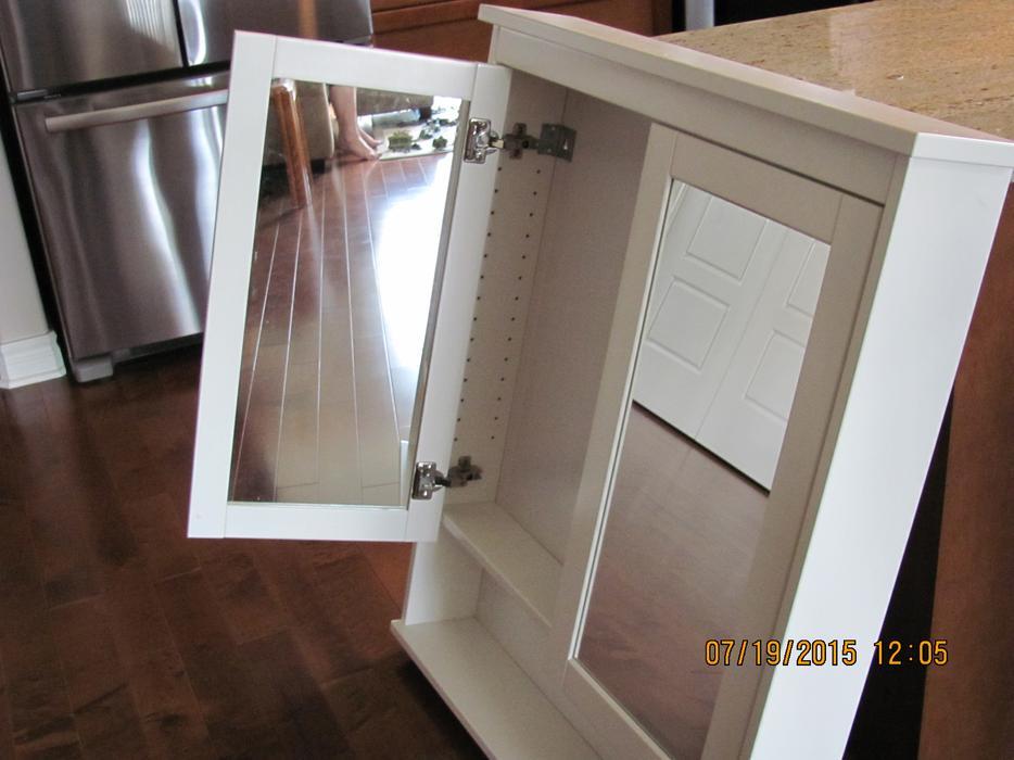 ikea mirror cabinet outside ottawa gatineau area ottawa. Black Bedroom Furniture Sets. Home Design Ideas