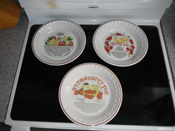 set of 3 pie dishes with recipes on them