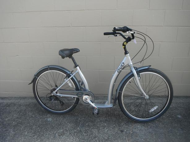 Evo Oak Hill 7spd cruiser bike