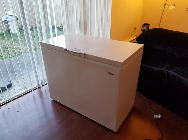 Maytag chest freezer Saanich, Victoria