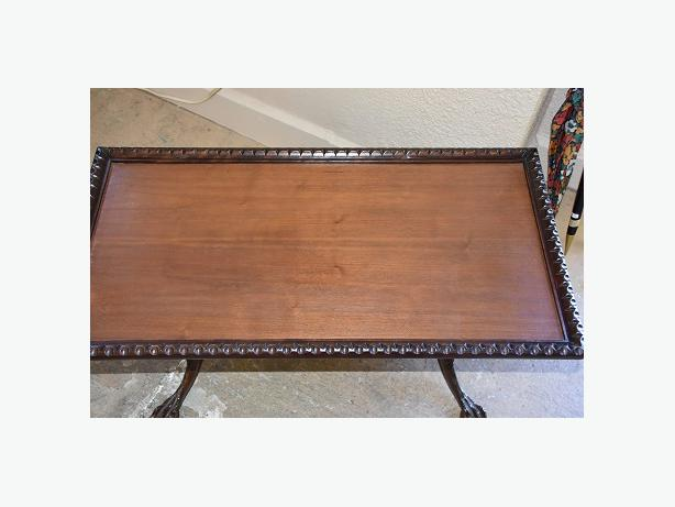 beautiful carved ball and claw foot coffee table campbell river courtenay comox. Black Bedroom Furniture Sets. Home Design Ideas