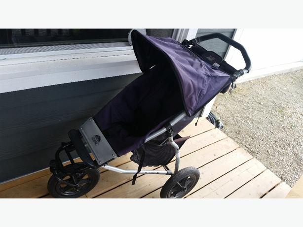 WANTED: Mountain buggy stroller with basinette and raincover