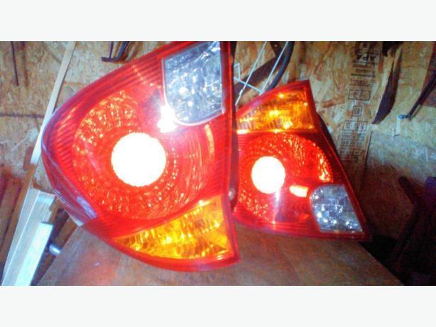 2004 hyundai accent GS tail lights