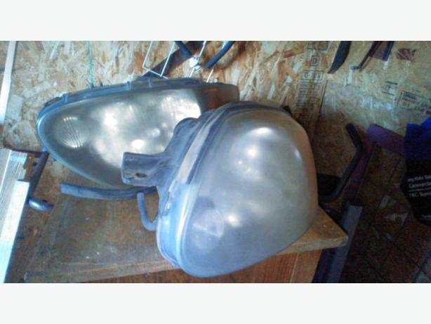 2004 hyundai accent GS head lights