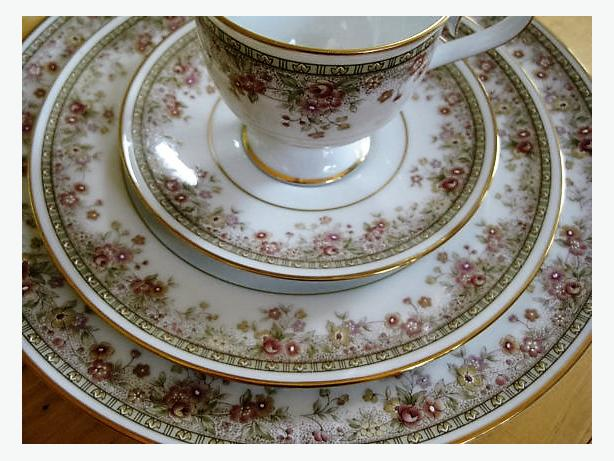 """Morning Jewel"" Fine China for each 5-Piece Place Setting"