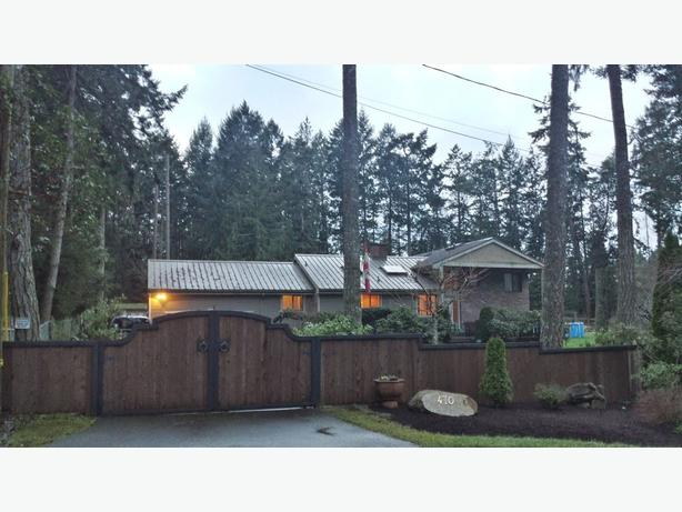 Lands End Rd Estate for sale Victoria BC