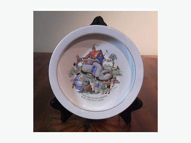 "Vintage ""Old Woman in a Shoe"" Baby's Plate"