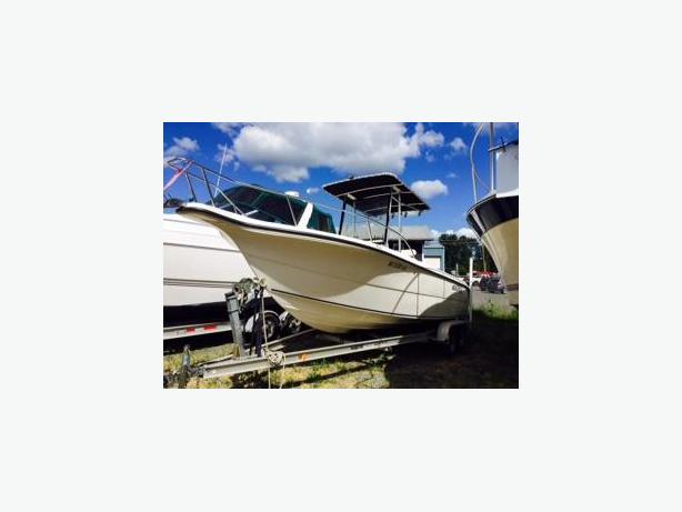 23' 2007 SEA FOX 230 CENTER CONSOLE