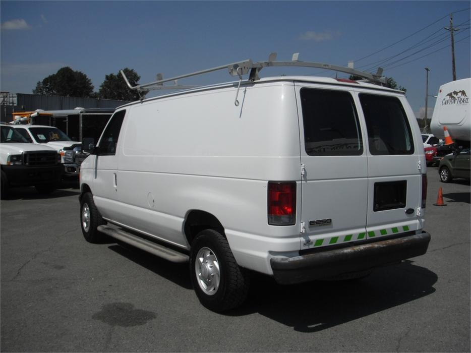 2007 ford econoline e 250 cargo van with shelving and roof. Black Bedroom Furniture Sets. Home Design Ideas