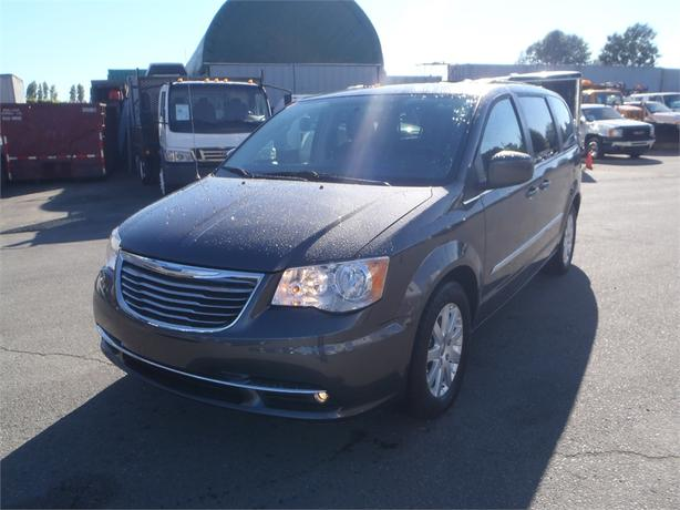 2015 Chrysler Town & Country Touring Stow n' Go