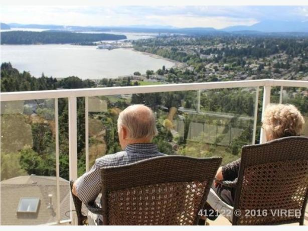 Edgewood Townhome For Sale --- Beautiful Views