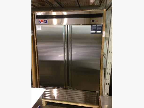 US Ref Double Door Reach-In Freezer