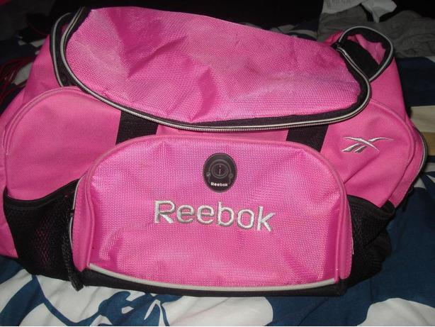 Almost new Reebok gym bag + beige tote w/ wallet