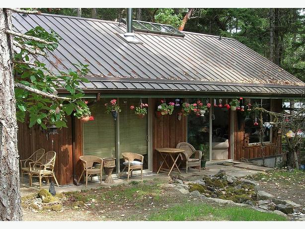 Victoria Beach Cabin Rentals