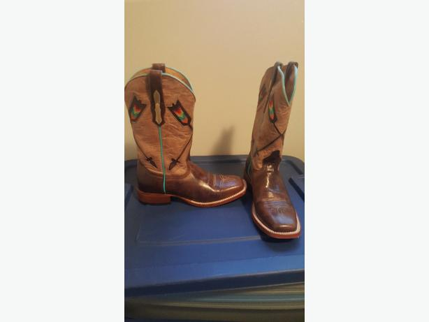 ladies size 7 cowboy boots