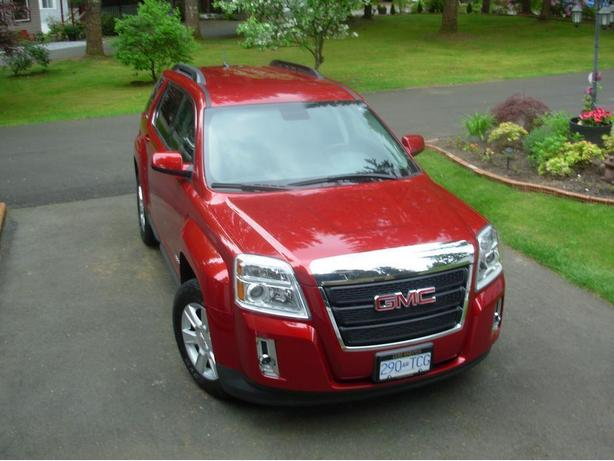 LOADED 2013 GMC TERRAIN SLE-2 AWD WITH(5) YEAR EXTENDED WARRANTY INCLUDED.