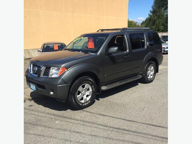 $7888  05 Nissian Pathfinder 7 Passenger 4x4 At Islandautosource