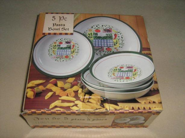 FIVE  PIECE  PASTA  BOWL  SET