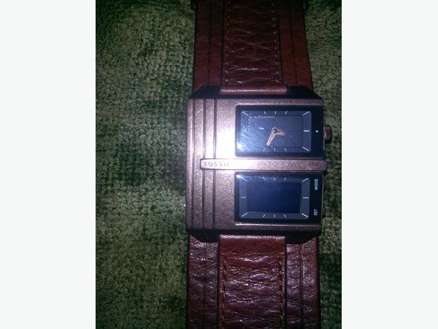 FOSSIL BROWN LEATHER DUAL DISPLAY QUARTZ WATCH