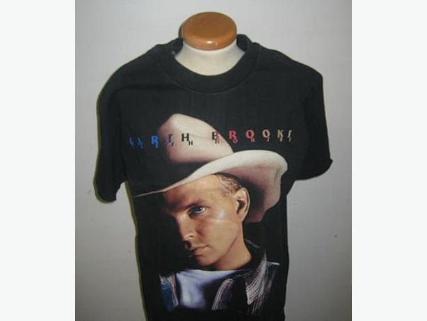 GARTH BROOKS  T  SHIRT