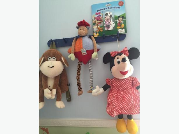 Minnie Mouse, Bobby Jack Monkey Plush Backpack