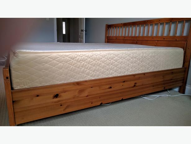 Novaform Gel Memory Foam King Mattress Courtenay Campbell River