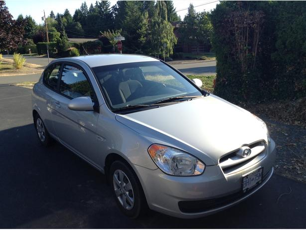 manual hyundai accent 2009 low mileage single owner. Black Bedroom Furniture Sets. Home Design Ideas