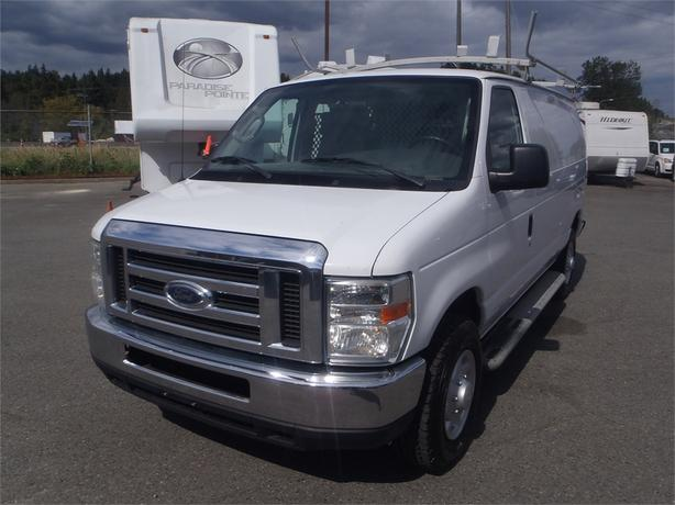 2008 Ford E250 SD Cargo Van with Roof Rack and Shelving