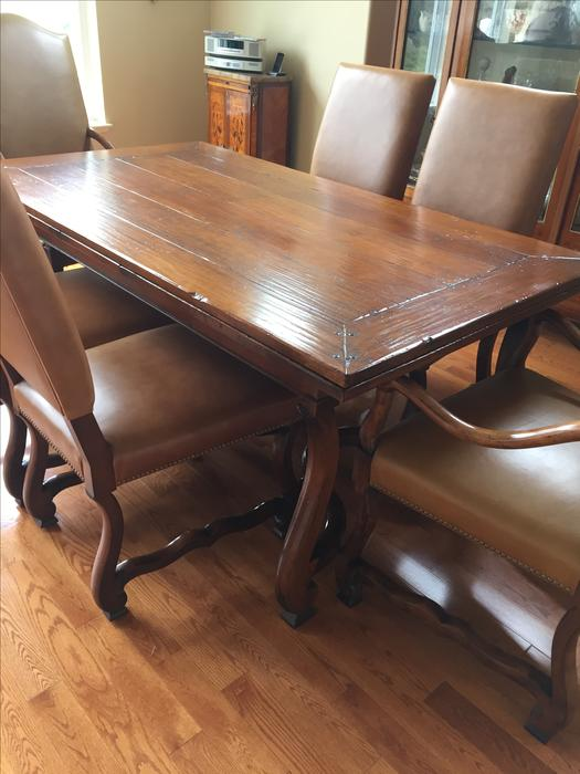 Hendredon dining room table and chairs parksville nanaimo for Dining room tables kelowna