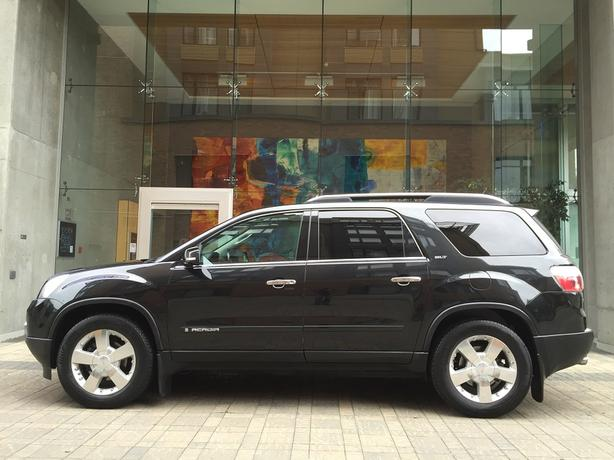 2008 GMC Acadia SLT - ON SALE! - FULLY LOADED! - 3RD ROW SEATING!