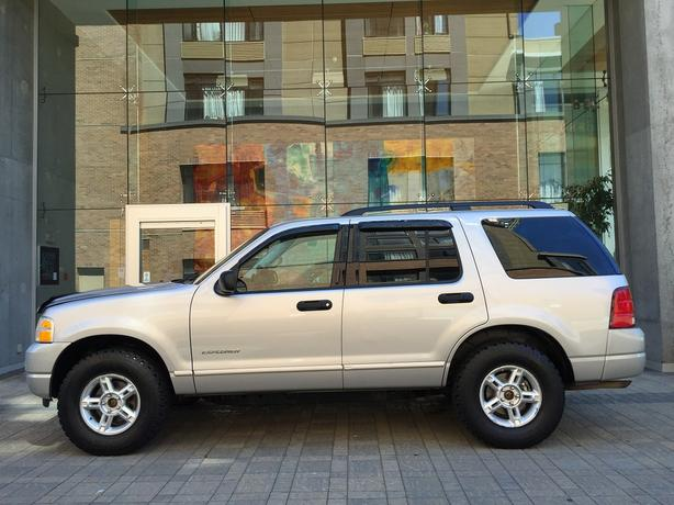 2004 Ford Explorer XLT 4.6L 4WD - ON SALE! - LOCAL BC! - NO ACCIDENTS!