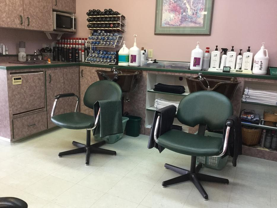 hair salon for sale lease or chair rental outside nanaimo parksville
