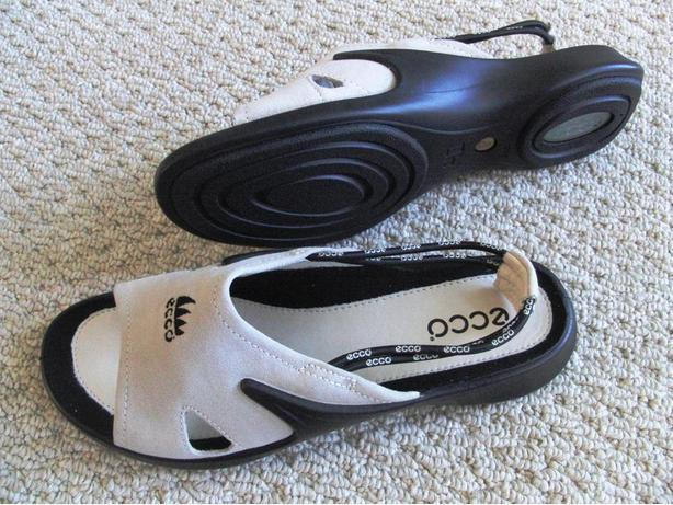 New ECCO Sandals (Ladies Size 8 M)