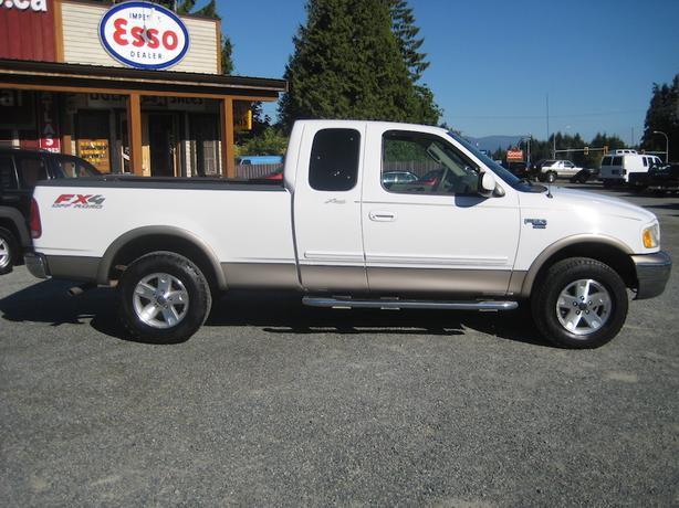 2003 ford f150 ext cab 4x4 lariat fx4 outside comox valley campbell river. Black Bedroom Furniture Sets. Home Design Ideas