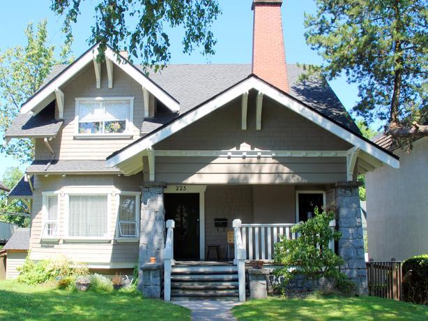 2 Bedroom Furnished Garden Suite Apt For Rent in Mount Pleasant Area #711