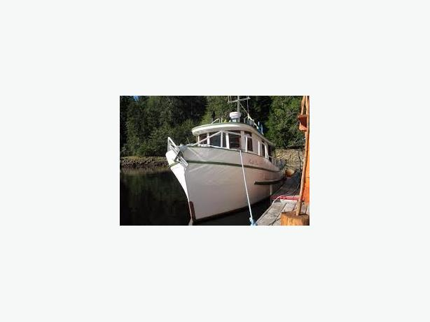 WANTED: live aboard for rent or lease to own.