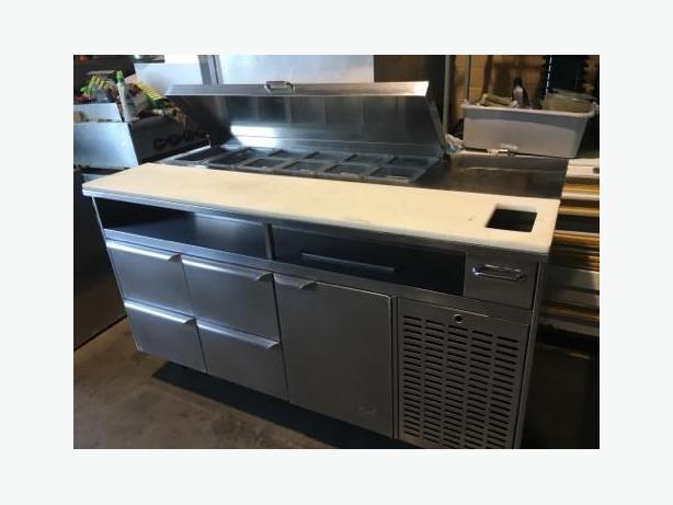 (QUEST) ST-60 SANDWICH/SALAD PREP TABLE