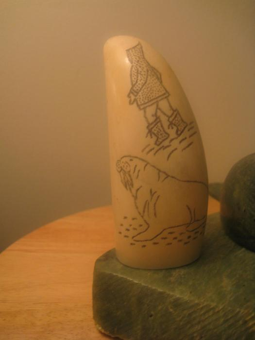 Old rare inuit soapstone scrimshaw carving vancouver city