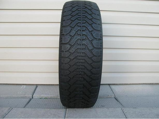 ONE (1) GOODYEAR NORDIC WINTER TIRE /205/60/16/ - $25