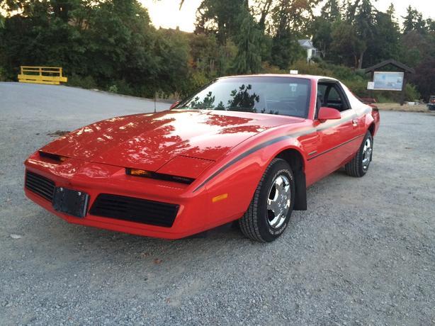 1983 pontiac firebird SE