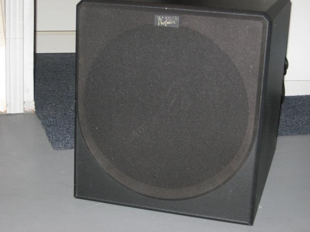 Acoustics Profiles subwoofer