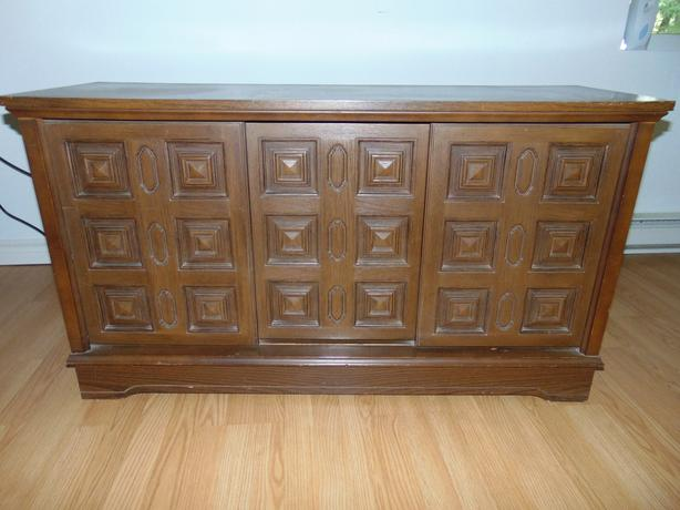 VINTAGE LIQUOR CABINET AND TABLES