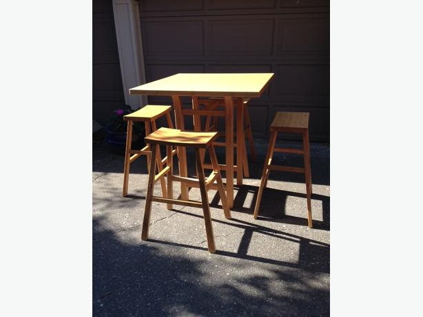 Gorgeous Bamboo Bistro-height Table and 4 Stools