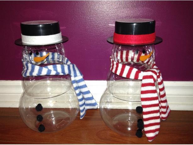 """12"""" tall plastic snowmen"""