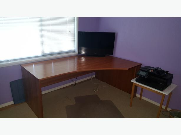 Office Desks Victoria Bc Minimalist